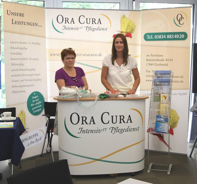 Pflegedienst Ora Cura auf der Gesundheits- und Pflegemesse in der Wirtschaftsakademie Nord